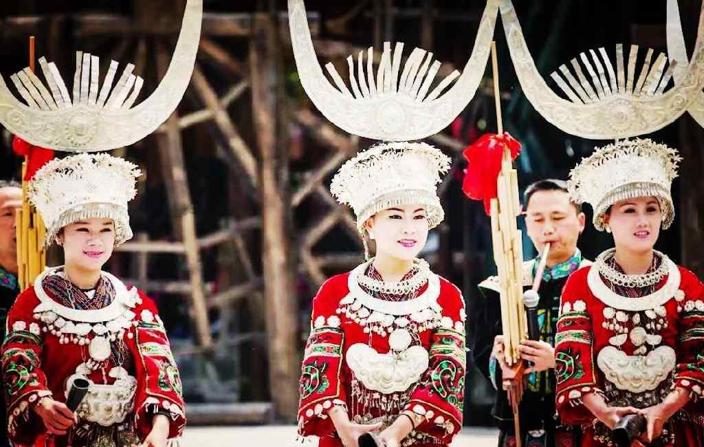 沙拉洛 苗族摇马郎节,彝族少女成人礼沙拉洛,汉族女孩成人礼笄礼