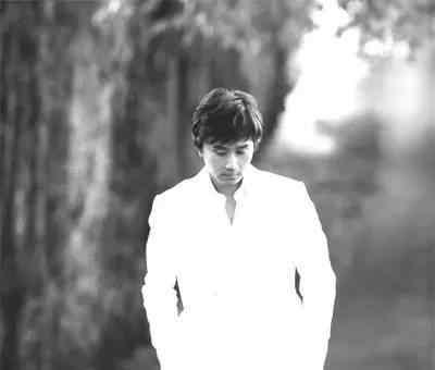 郭小霖 他零新闻很低调 却写出了高调的传世金曲。